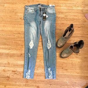 ✨•🔥BOGO FREE•🔥✨Boohoo Jeans! size 6